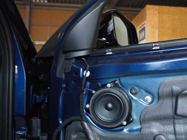 BMWX2純正ドア内張取り外し