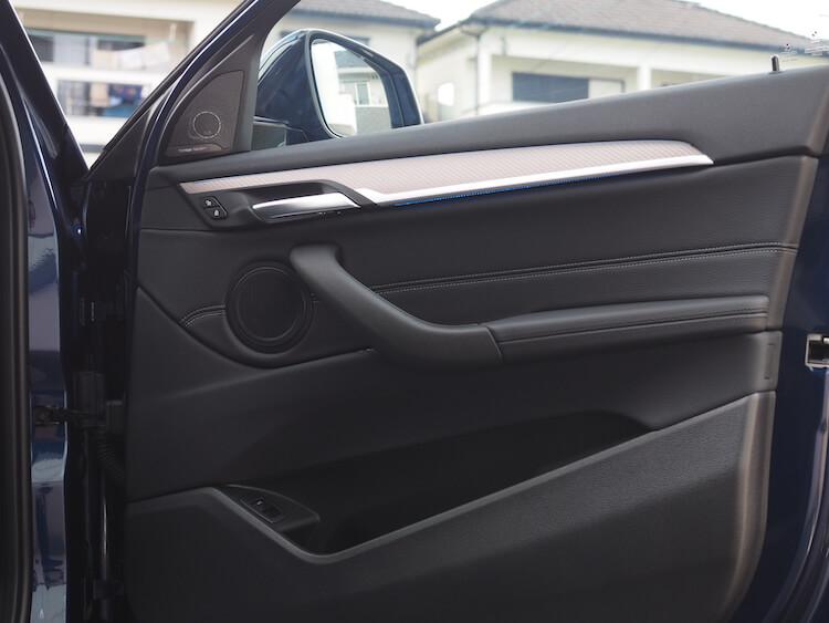 BMWX2のスピーカー交換作業