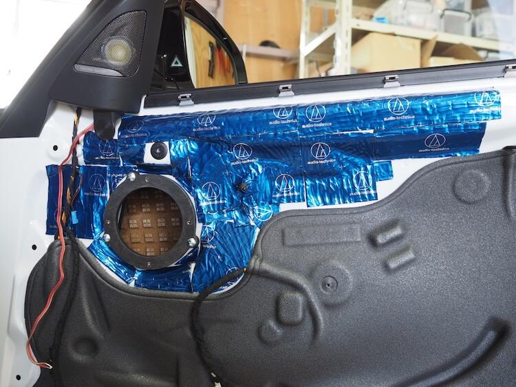 BMWM3のドアスピーカー周りをデッドニング