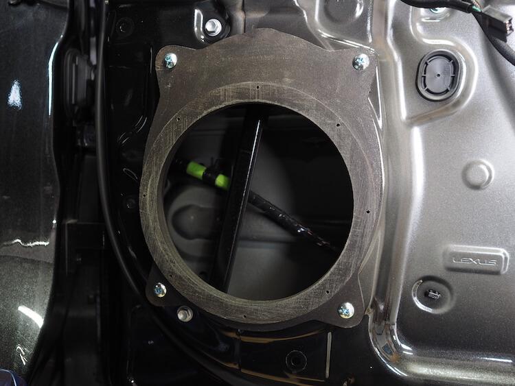レクサスRX450h用のインナーバッフル取り付け