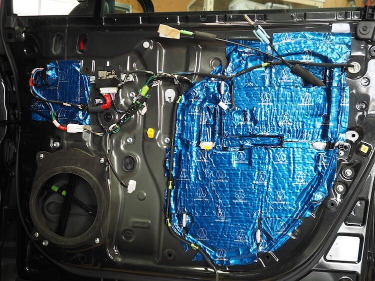 レクサスRX450hのドアをデッドニング