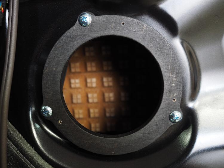 BMW_328i_F30のドアにオリジナルインナーバッフル取り付け