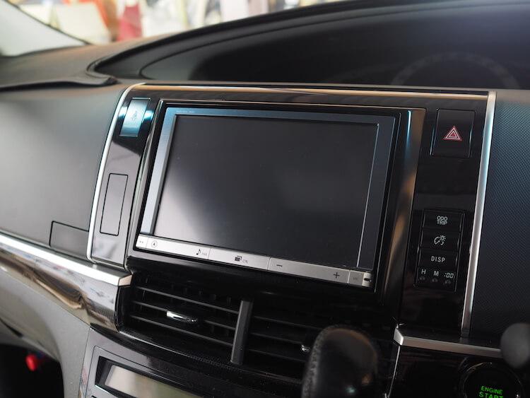 トヨタ エスティマの純正オプション8インチナビ