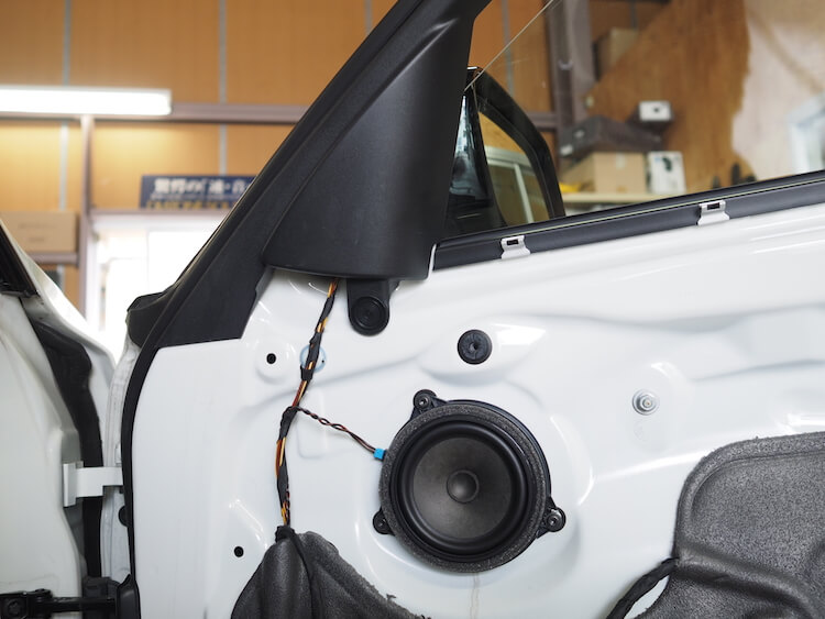 BMW 3シリーズ-F30の純正ドア内部