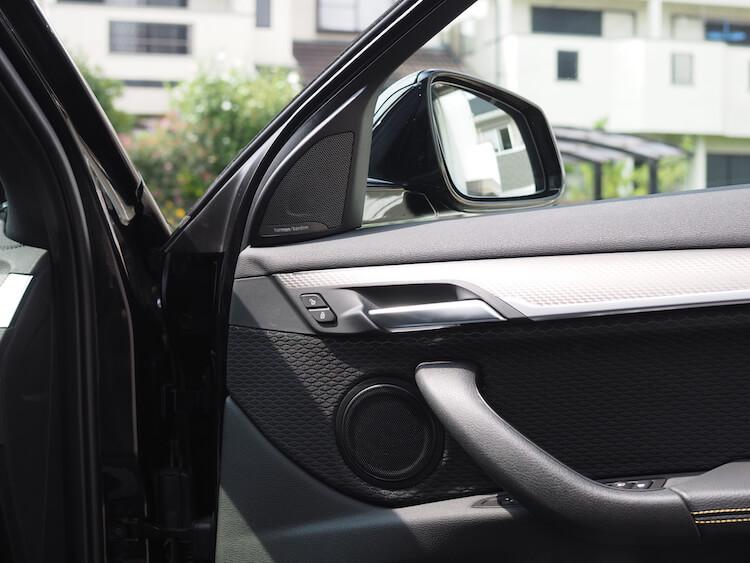 BMW_X2ドアにオーディソンスピーカー取り付け