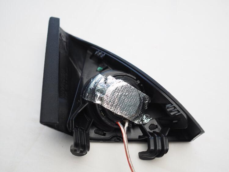 メルセデスベンツCクラスW205のミラー裏パネルにフォーカルのツィーター取り付け