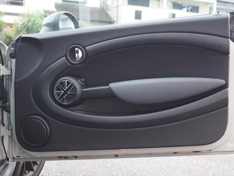 オーディソンのミニ専用コアキシャルスピーカーを取り付け