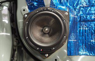トヨタ RAV4 スピーカー交換作業