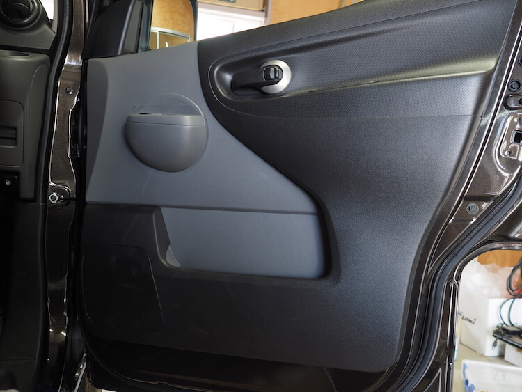 日産NV200のドア内張