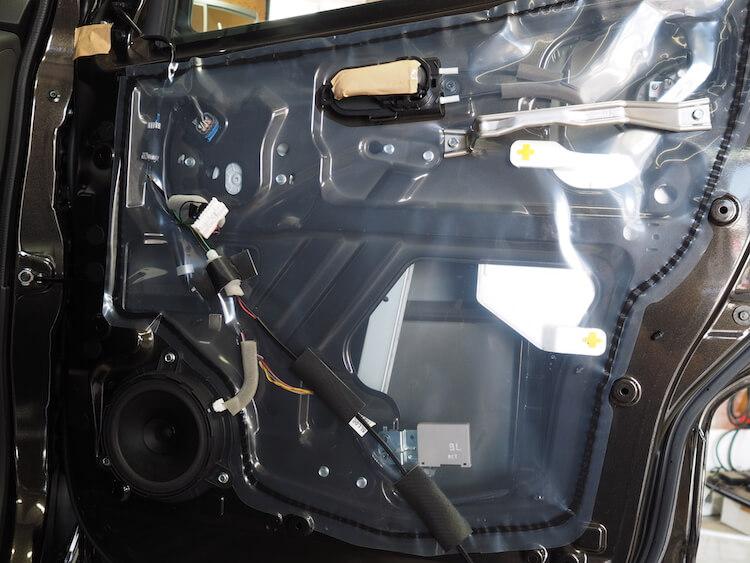 日産NV200のドア内部