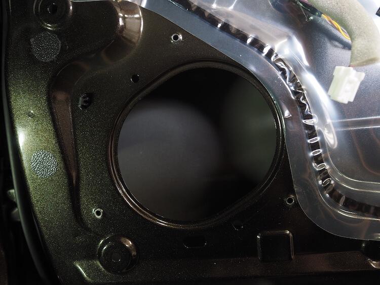 日産NV200の純正スピーカー取り外し