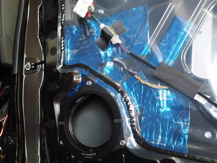 日産NV200のスピーカー周りをデッドニング