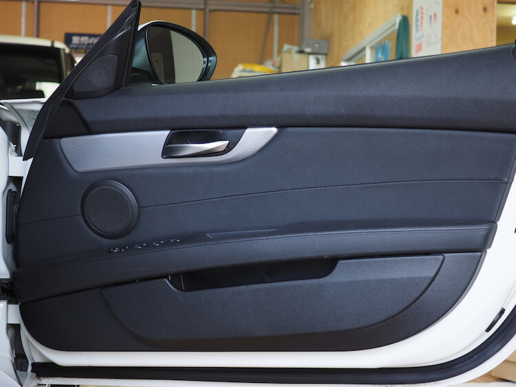 BMW Z4のドア内張