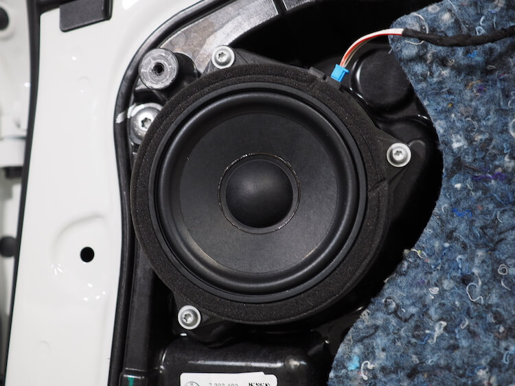 BMWアルピナXD3のリアドアスピーカー