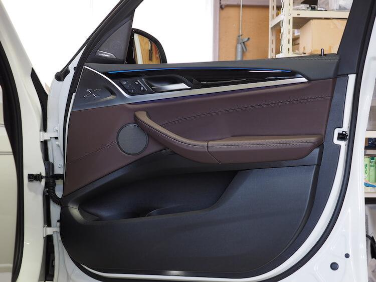 BMWアルピナXD3の純正ドア内張
