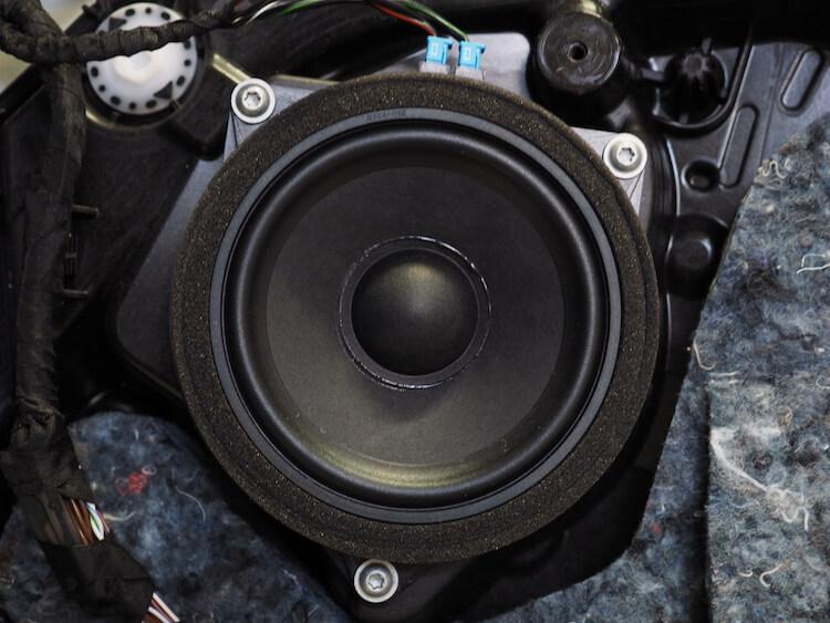 BMWアルピナXD3の純正スピーカー