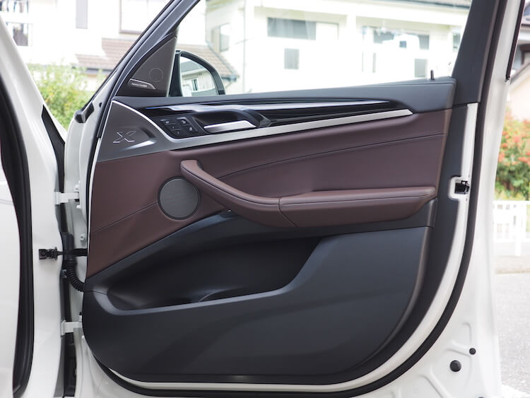 BMWアルピナXD3のフロントドアスピーカー交換
