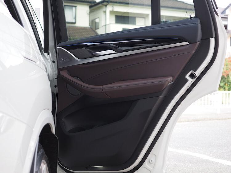 BMWアルピナXD3のリアドアスピーカー交換
