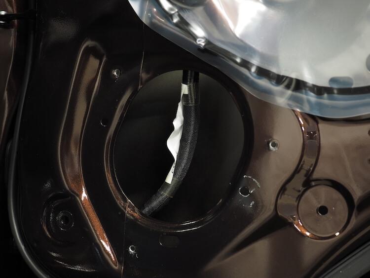 日産NV350の純正スピーカー取り外し