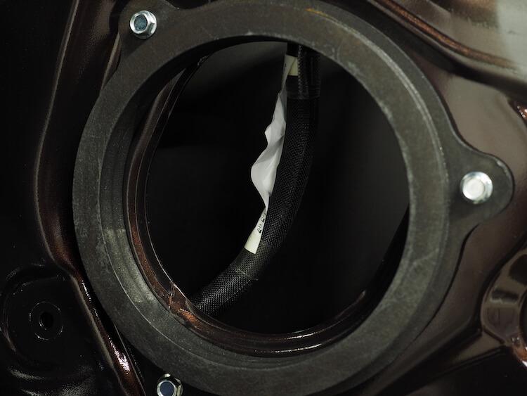 日産NV350のドアにオリジナルインナーバッフルを取り付け