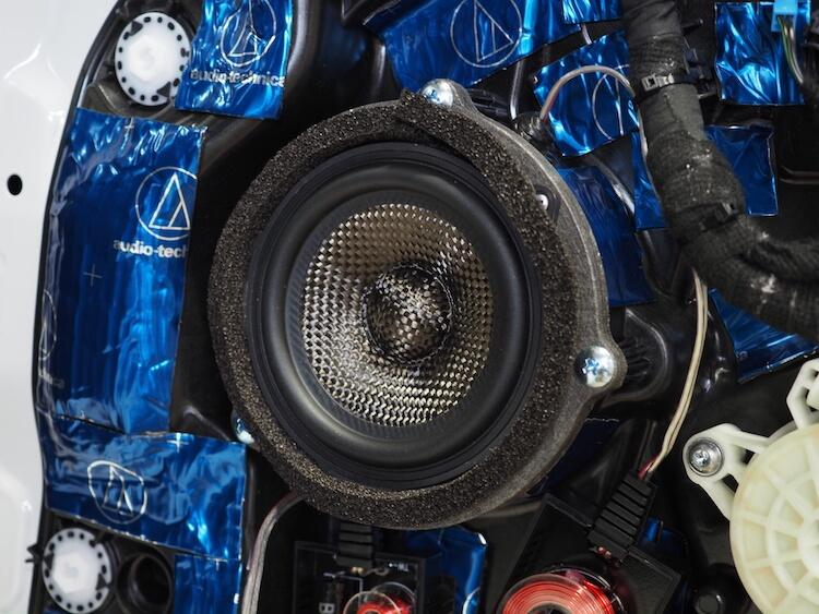 BMW3シリーズG20のドアにブラムのスピーカーを取り付け