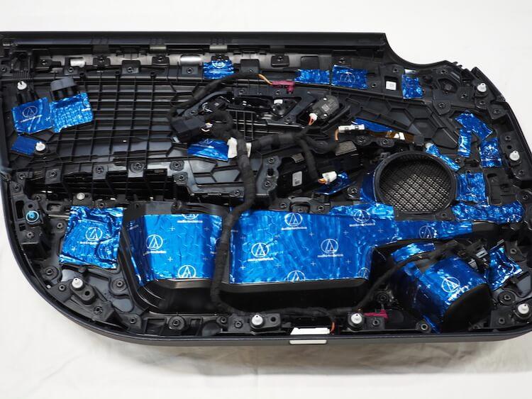 BMW3シリーズG20のドア内張をデッドニング