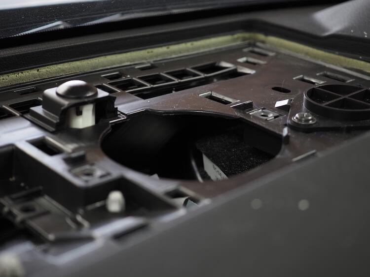 マツダCX8のセンタースピーカー