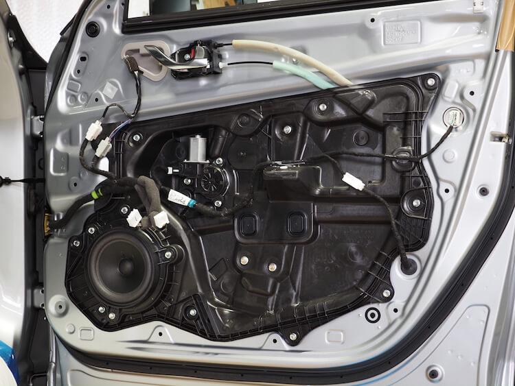 マツダCX8の純正ドア内部