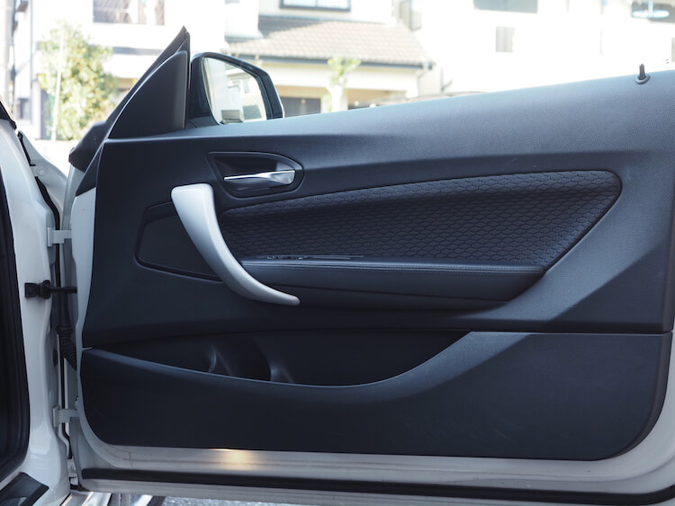 BMW220i_F22のドアにオーディソンのスピーカーを取り付け