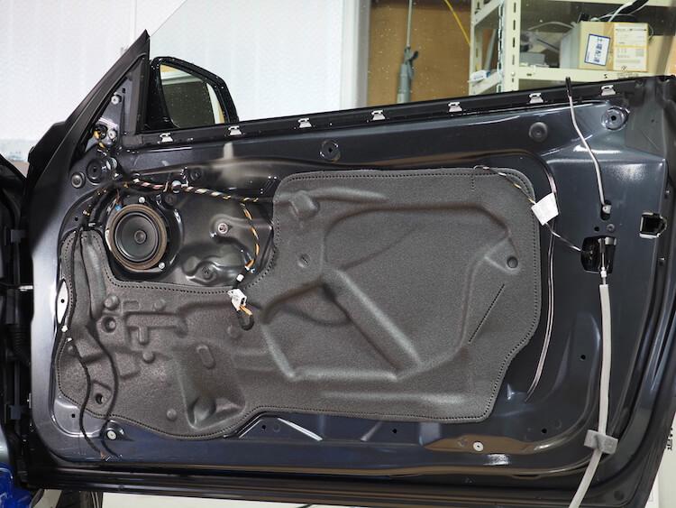 BMWM2の純正ドア内張の内部
