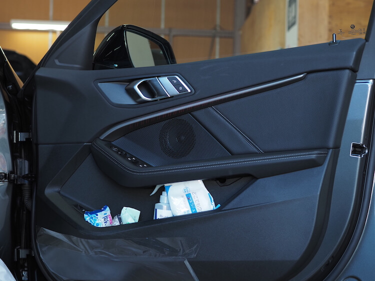 BMW F40の純正ドア内張