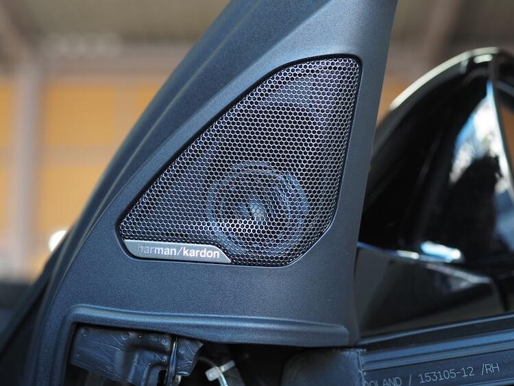 BMW F40のミラー裏にオーディソンのツィーターを取り付け