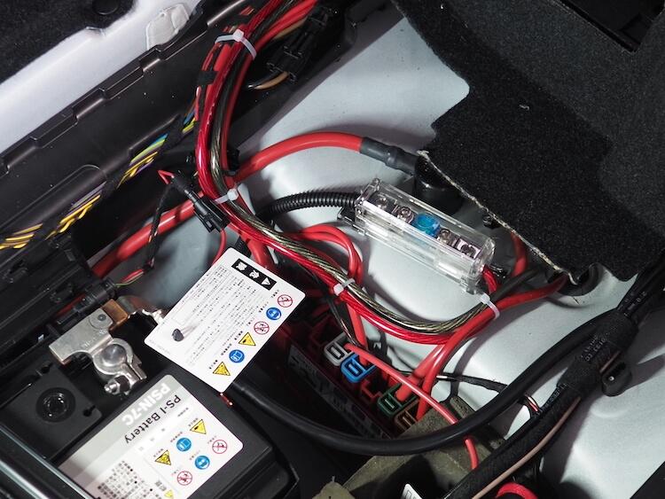 BMWZ4のバッテリーから電源取り出し