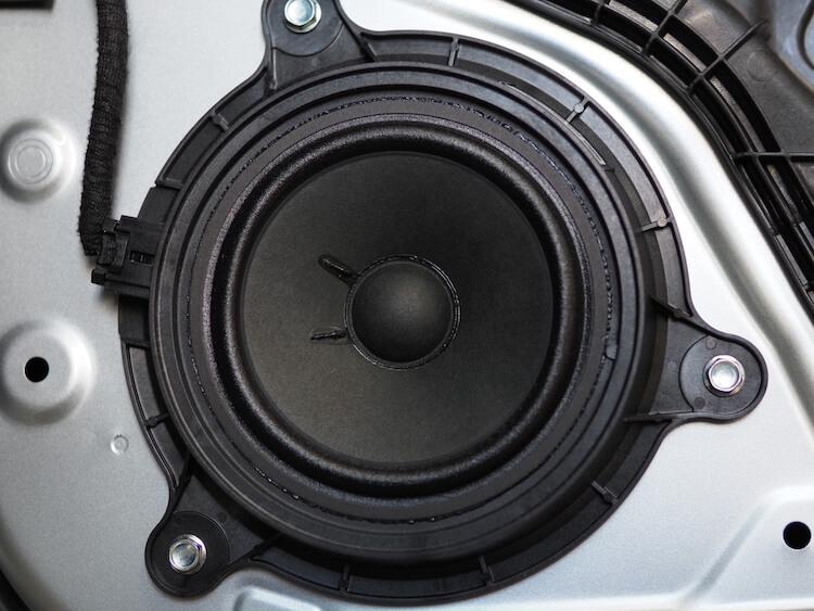 マツダCX-8の純正スピーカー