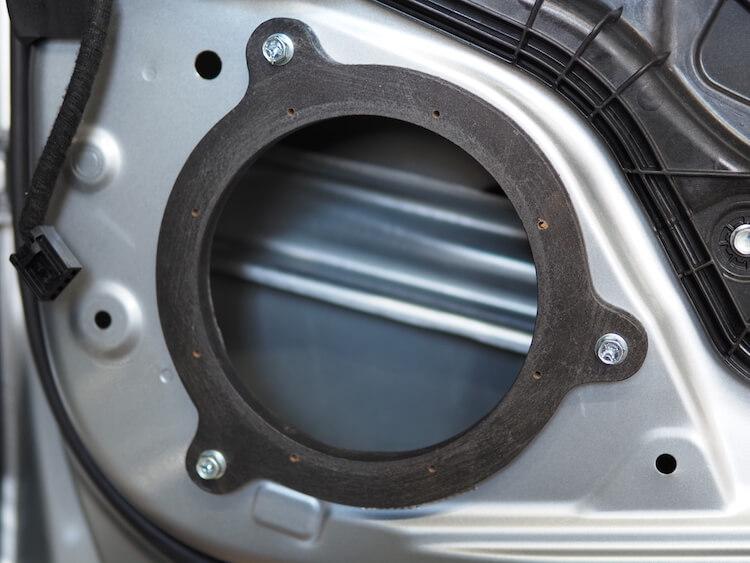 マツダCX-8のリアドアにインナーバッフルを製作