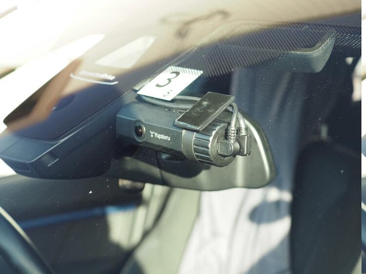 BMWにドライブレコーダーを取り付け