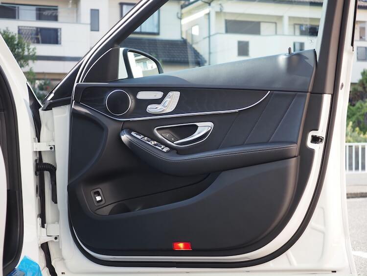 メルセデスC200のドアスピーカー交換