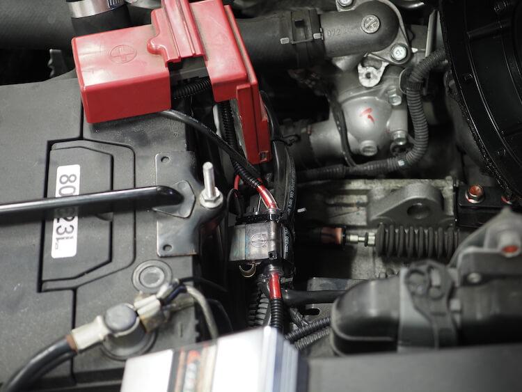 ギャランフォルティスのバッテリーから電源の取り出し