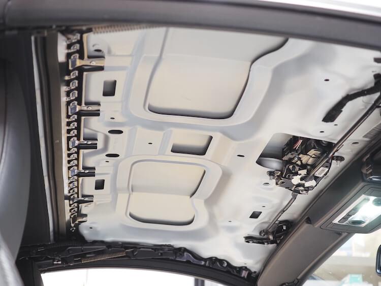BMW Z4のルーフ静音作業