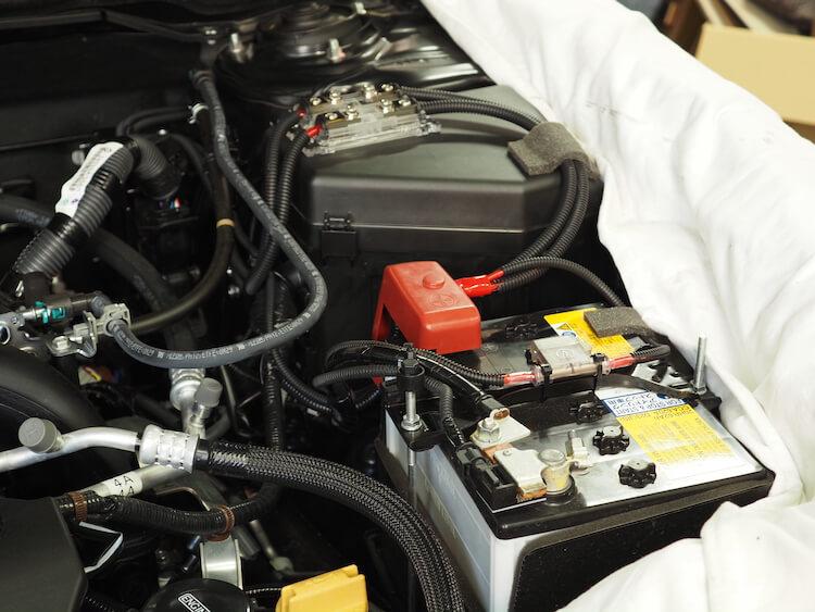 スバルレガシィアウトバックのバッテリーから電源を取り出し