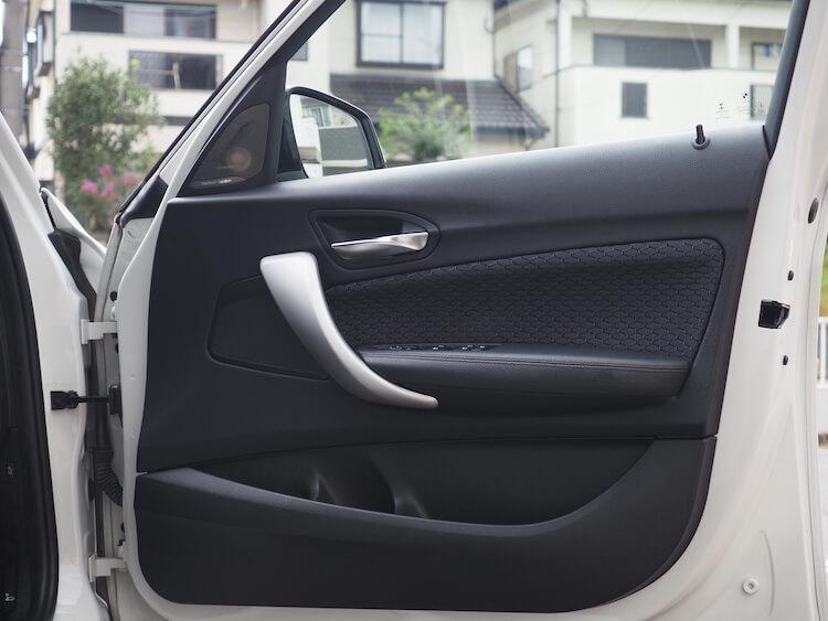 BMW118iのドアスピーカー交換