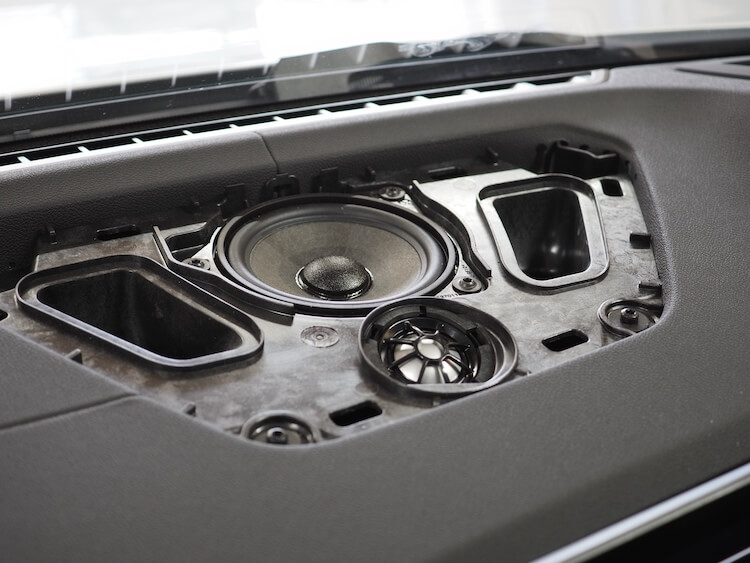 BMW M440iのセンタースピーカー