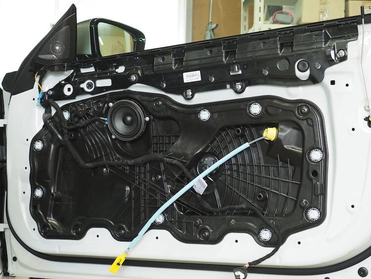 BMWM440iのドア内部