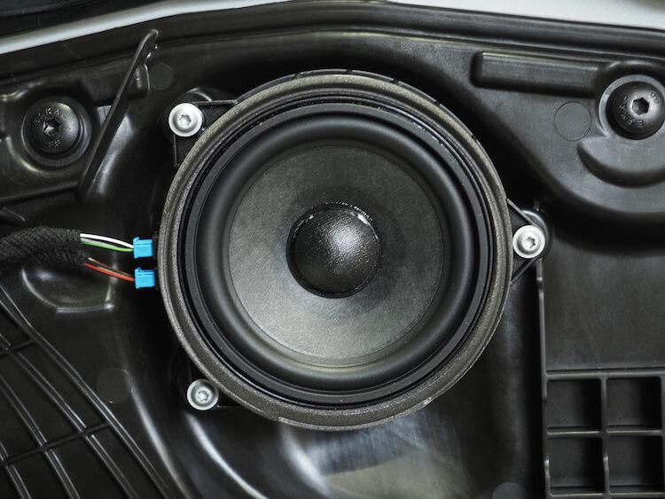 BMWM440iの純正ドアスピーカー