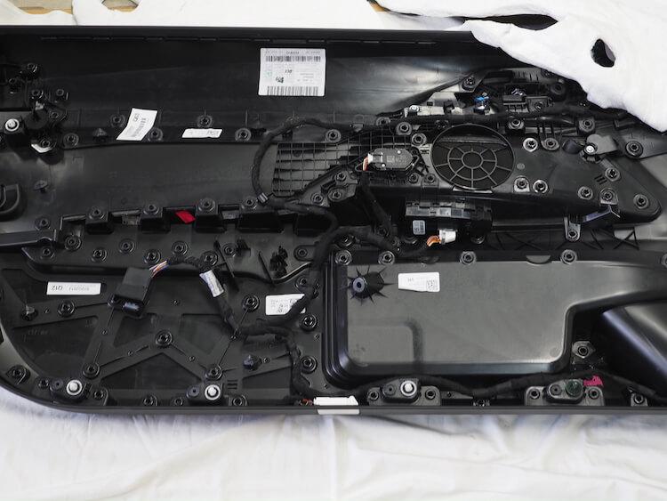 BMWM440iのドア内張裏側