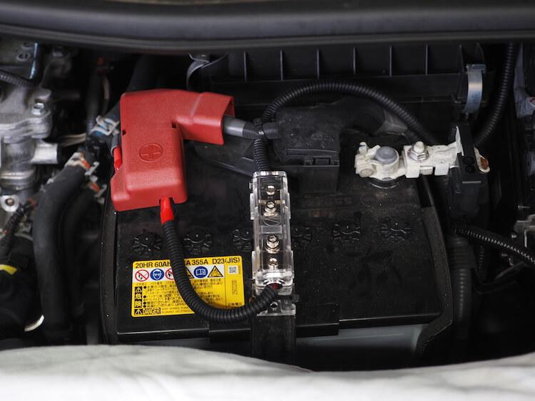 トヨタアルファードのバッテリーから電源の取り出し